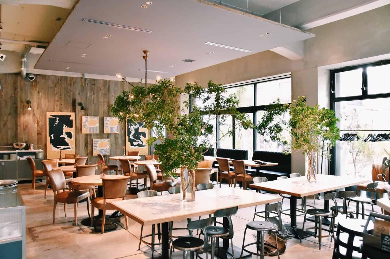 บรรยากาศภายในร้าน The Worker Coffee & Bar ย่าน Ikejiri Ohashi