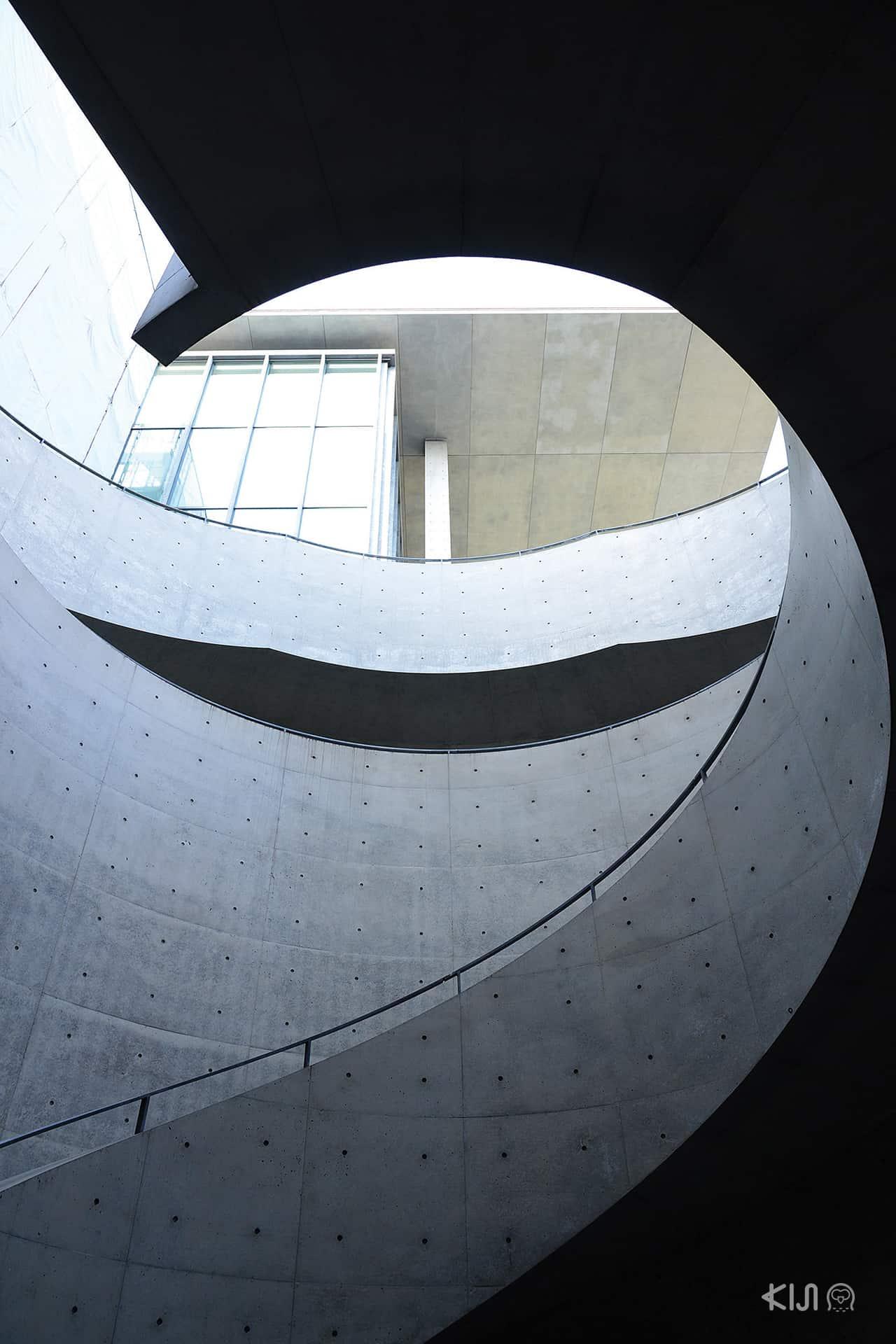 การออกแบบของอาคารพิพิธภัณฑ์ศิลปะเฮียวโงะ (Hyogo Prefectural Museum of Art)