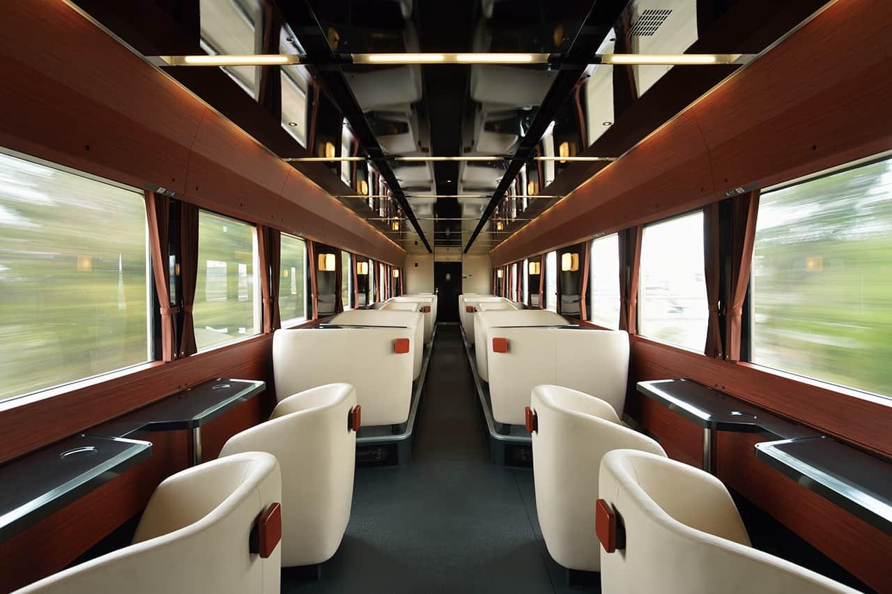บรรยากาศภายใน FruiTea Fukushima Joyful train
