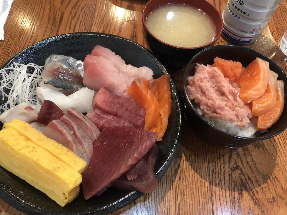 ร้านบุฟเฟ่ต์ซาชิมิโตเกียว - Hottarakashitei Omakase : ほったらかし亭おまかせ