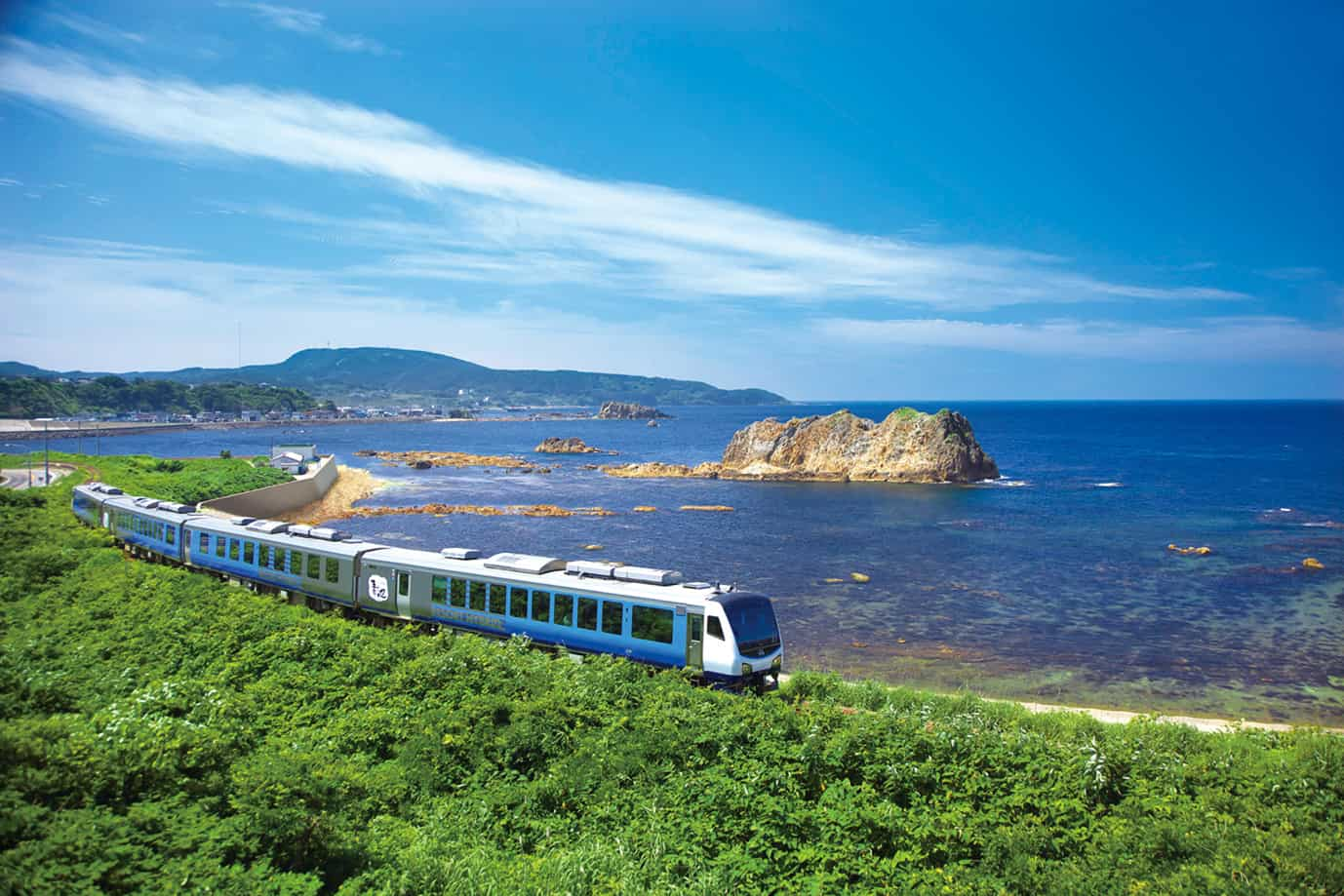 JR East Pass Tohoku Area, Joyful Train, Resort Shirakami