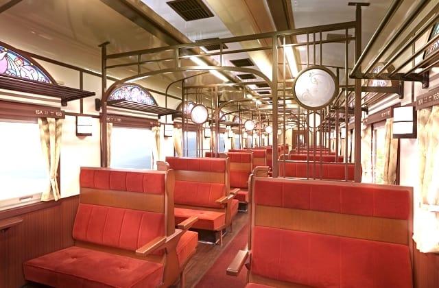 ภายในรถไฟ SL Ginga