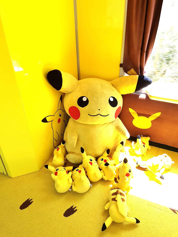 ตุ๊กตาปิกะจูมีอยู่ทั่วบนรถไฟ Pokemon with you - JR East Pass Tohoku Area