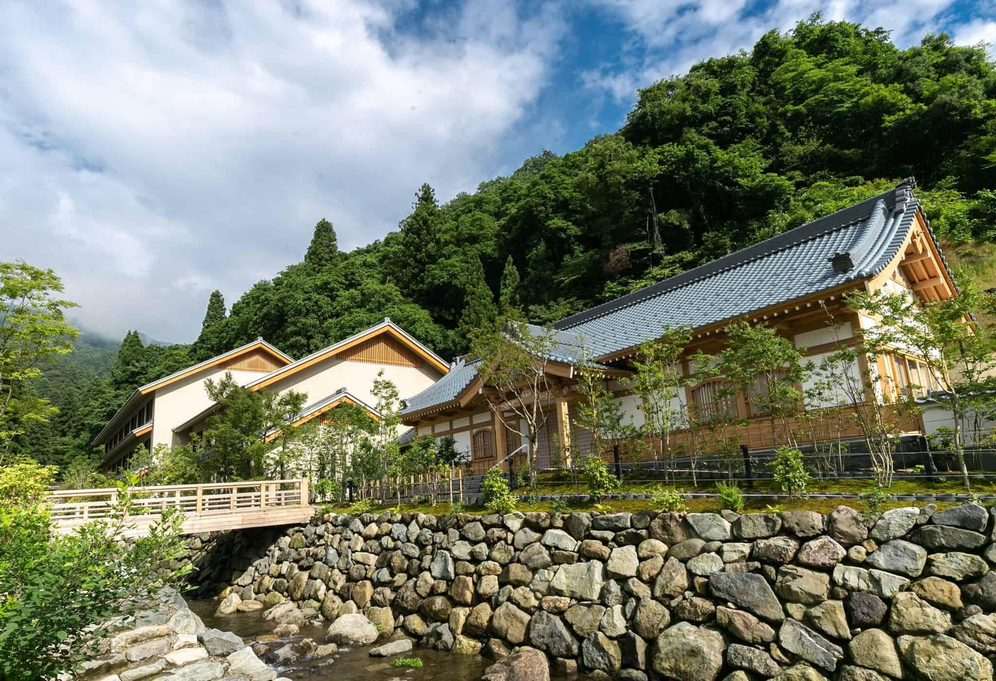 โรงแรมฮาคุจุคัง (Hakujukan : 柏樹關) ฟุกุอิ Fukui เที่ยวญี่ปุ่น คนน้อย