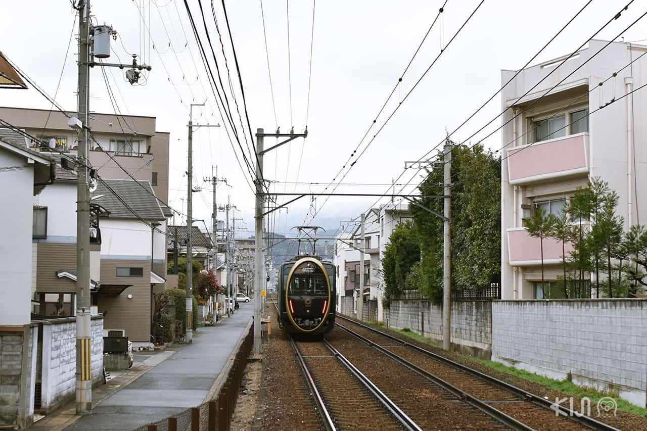 นั่ง รถไฟฮิเอ (Hiei Train) เที่ยวธรรมชาติ