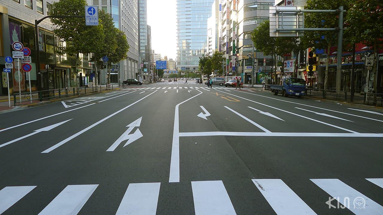 7 เรื่องที่ทำในญี่ปุ่นได้ง่าย : สีเส้นจราจรสดชัดเจน