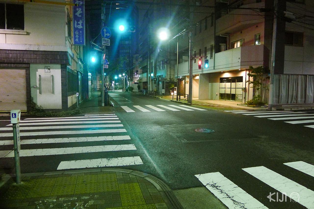 7 เรื่องที่ทำในญี่ปุ่นได้ง่าย : เดินไปไหนได้ง่ายและปลอดภัยแม้ในตอนกลางคืน