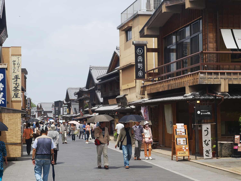 บรรยากาซภายในของตลาดโอคาเกะ (Okage Yokocho) จังหวัดมิเอะ (Mie)