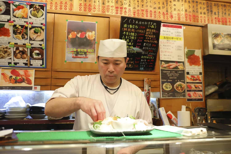 やまと屋すし - ตลาดปลาคุโรมง (Kuromon Fish Market)