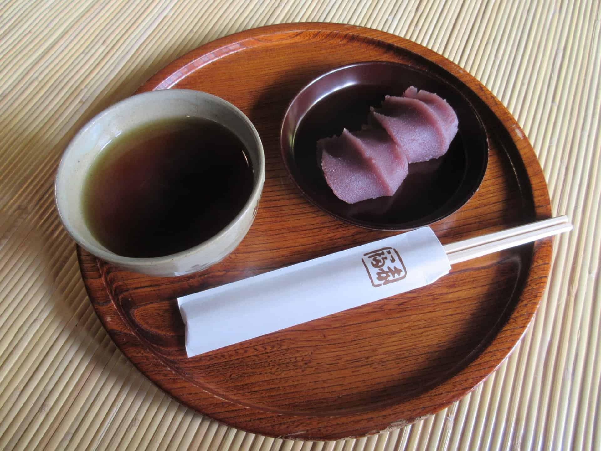 โมจิถั่วแดง Akafuku ตลาดโอคาเกะ (Okage Yokocho)