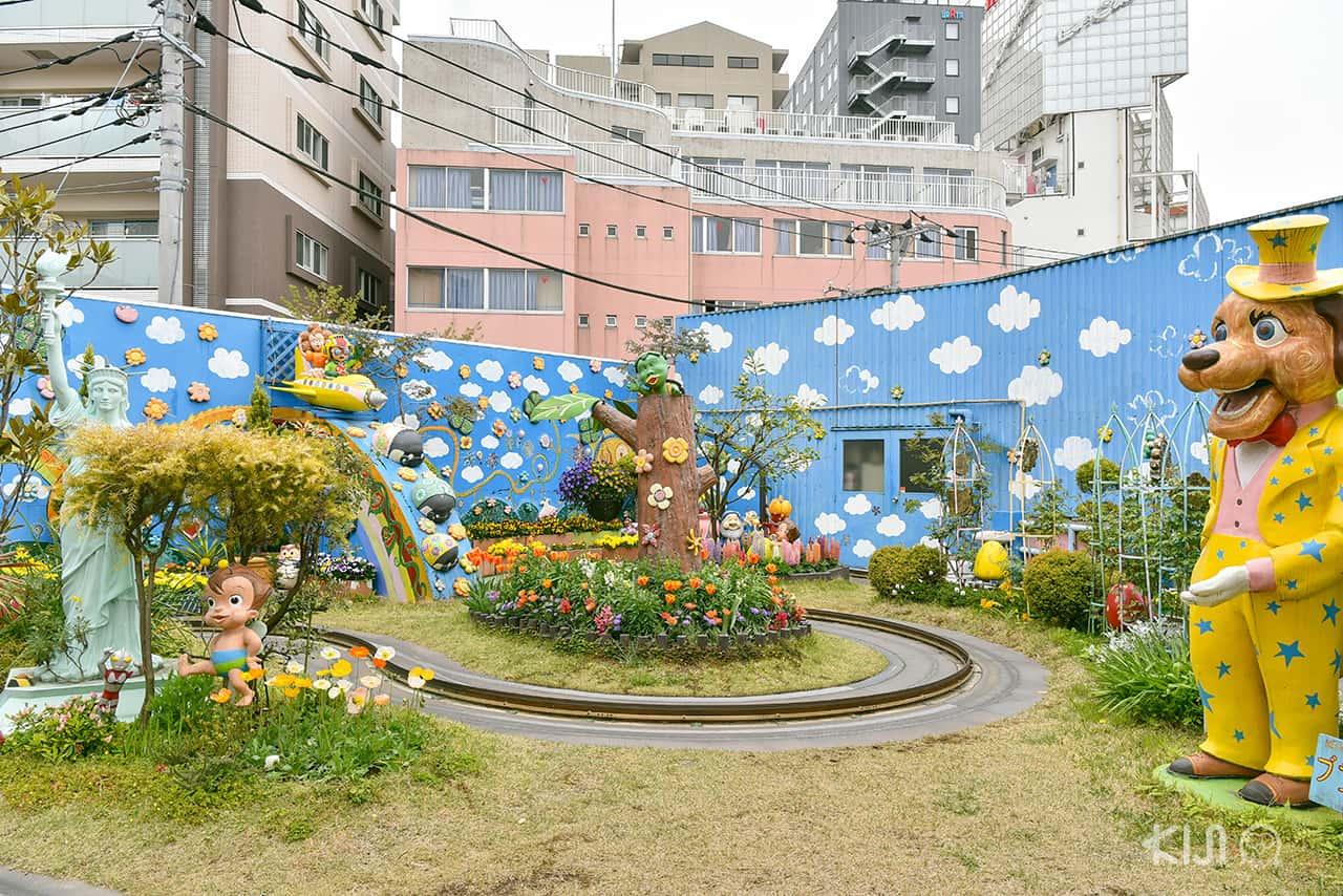 โซนสวนดอกไม้ ของสวนสนุกฮานายาชิกิ (Hanayashiki Amusement Park)