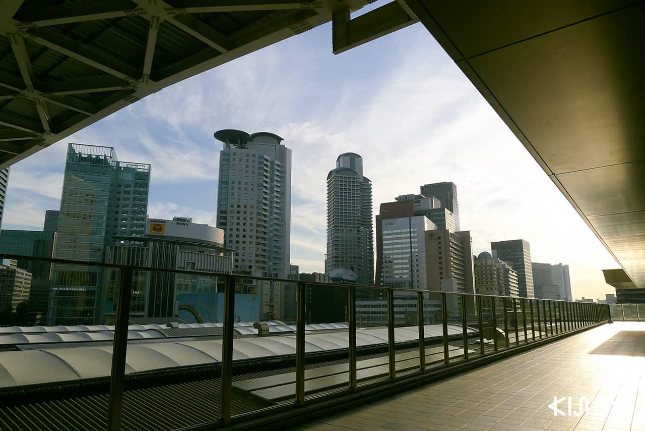 แหล่งท่องเที่ยว สถานีรถไฟในญี่ปุ่น shopping malls
