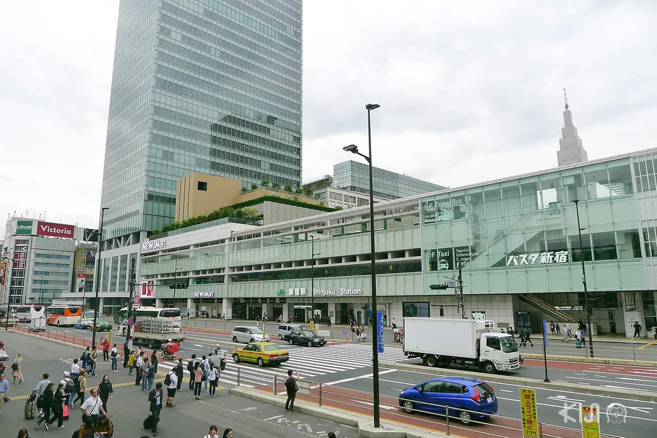 shinjuku station แหล่งท่องเที่ยว สถานีรถไฟในญี่ปุ่น