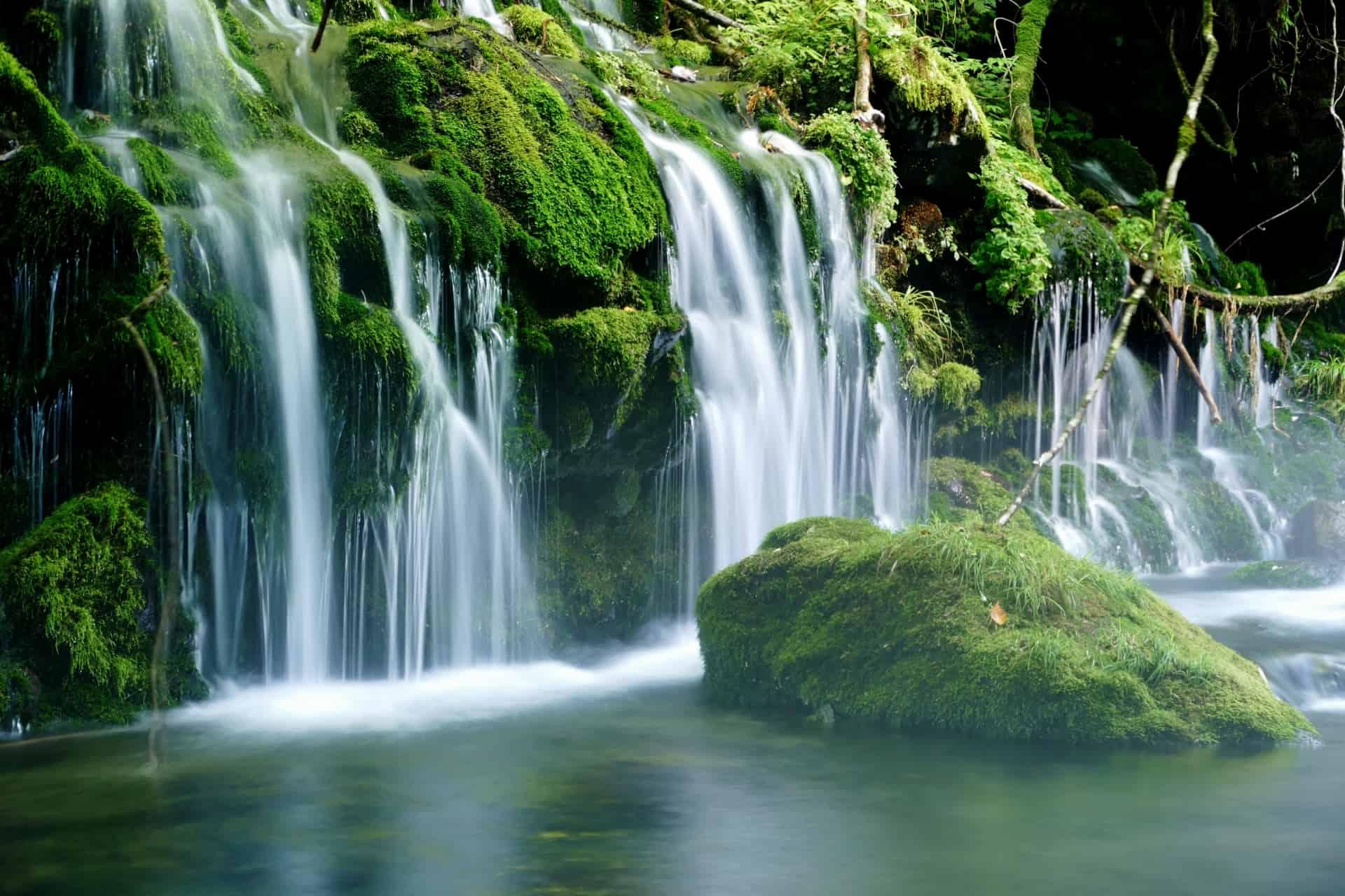 น้ำตกโมโตทากิ (Mototaki Waterfall) จังหวัดอาคิตะ (Akita)