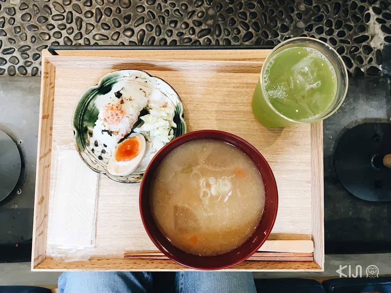 ร้านอาหารเช้า โตเกีย