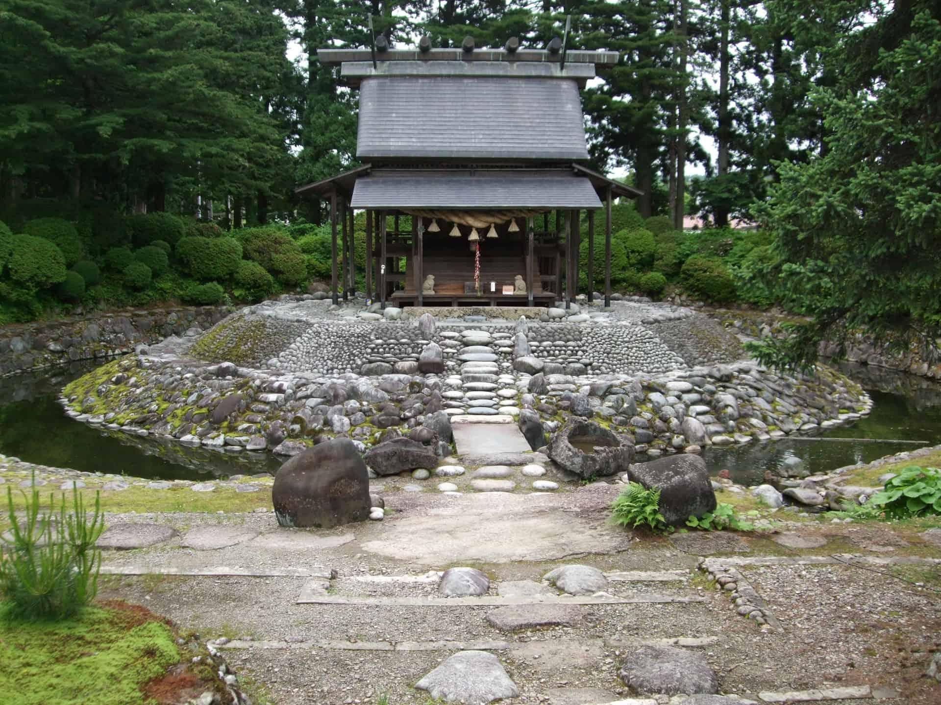 ศาลเจ้าคารามัตสึ (Karamatsu Shrine : 唐松神社)