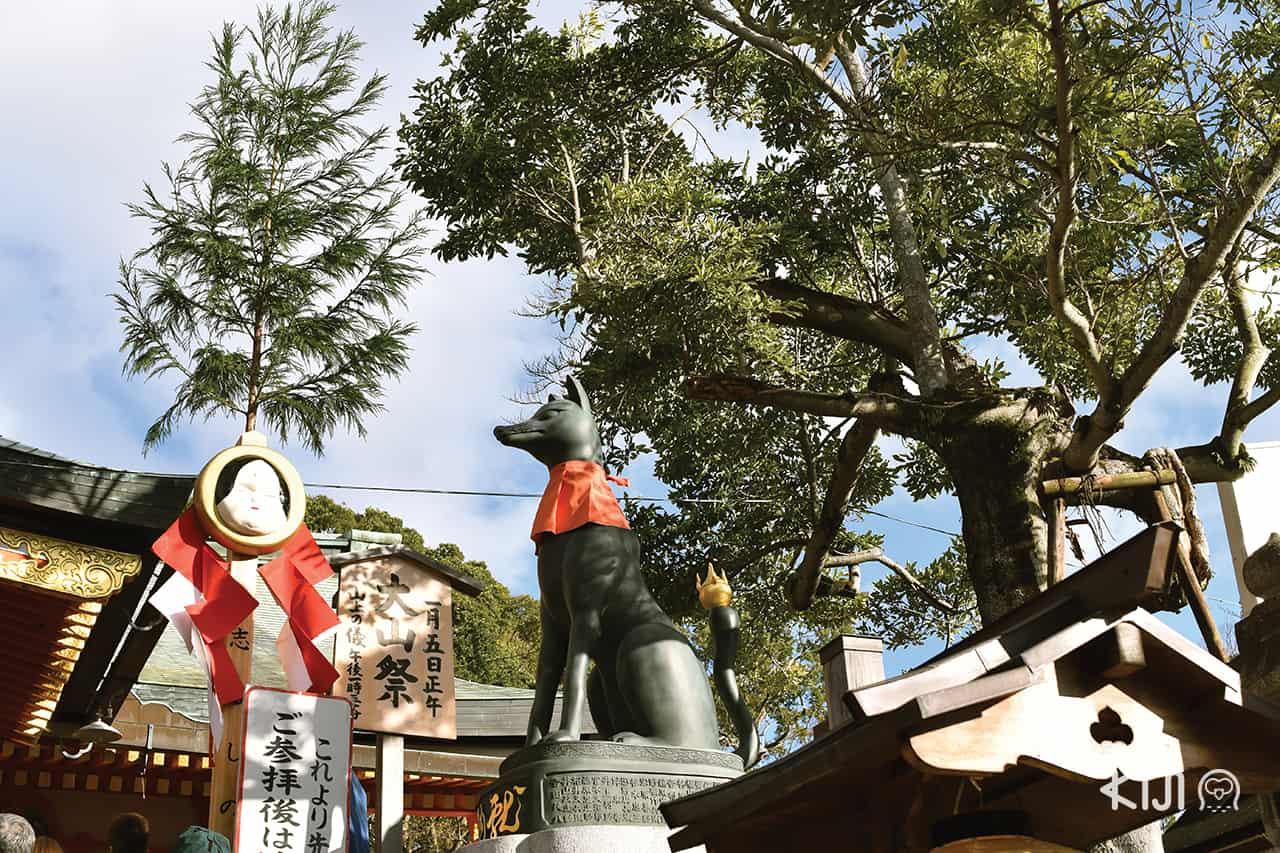 บรรยากาศภายใน ศาลเจ้าฟูชิมิอินาริ (Fushimi Inari Taisha)