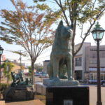Statue-of-Hachiko-in-front-of-Odate-Station