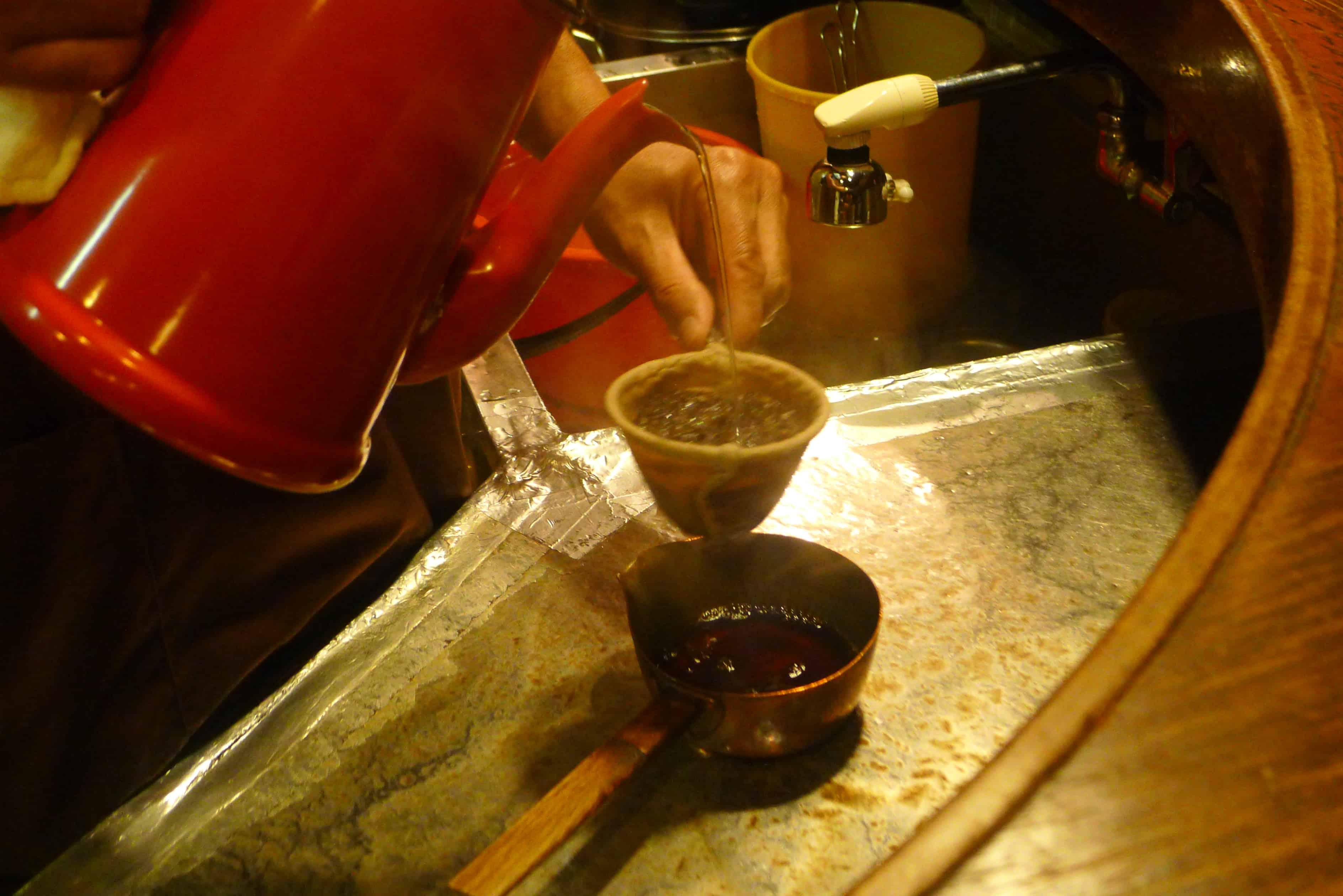 คาเฟ่ย้อนยุค โตเกียว (Tokyo) - Café de l'ambre