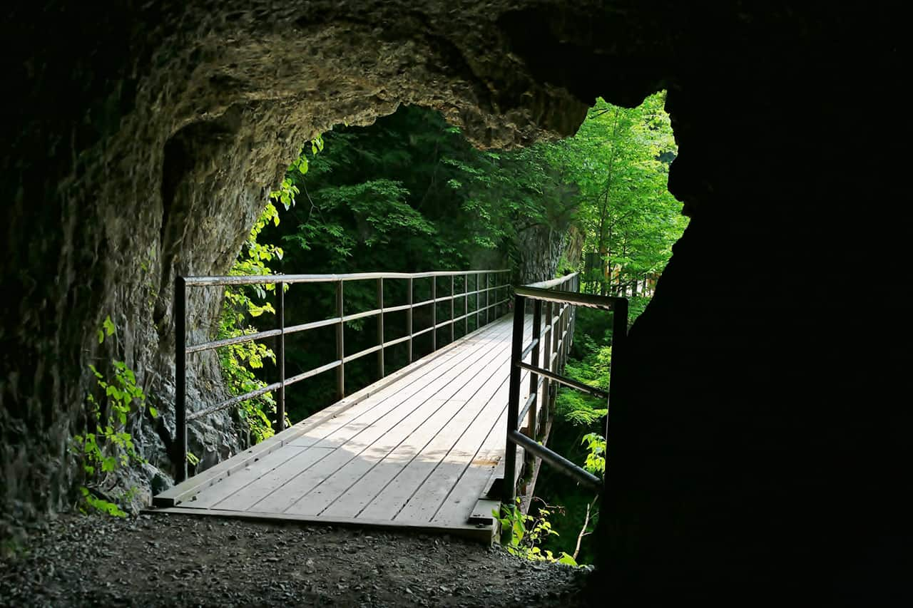 เที่ยว อาคิตะ - Dakigaeri Gorge
