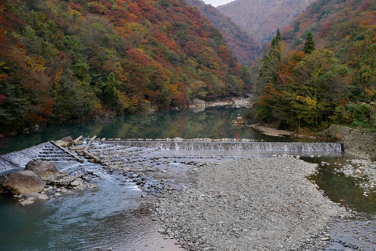 Dakigaeri Gorge in autumn