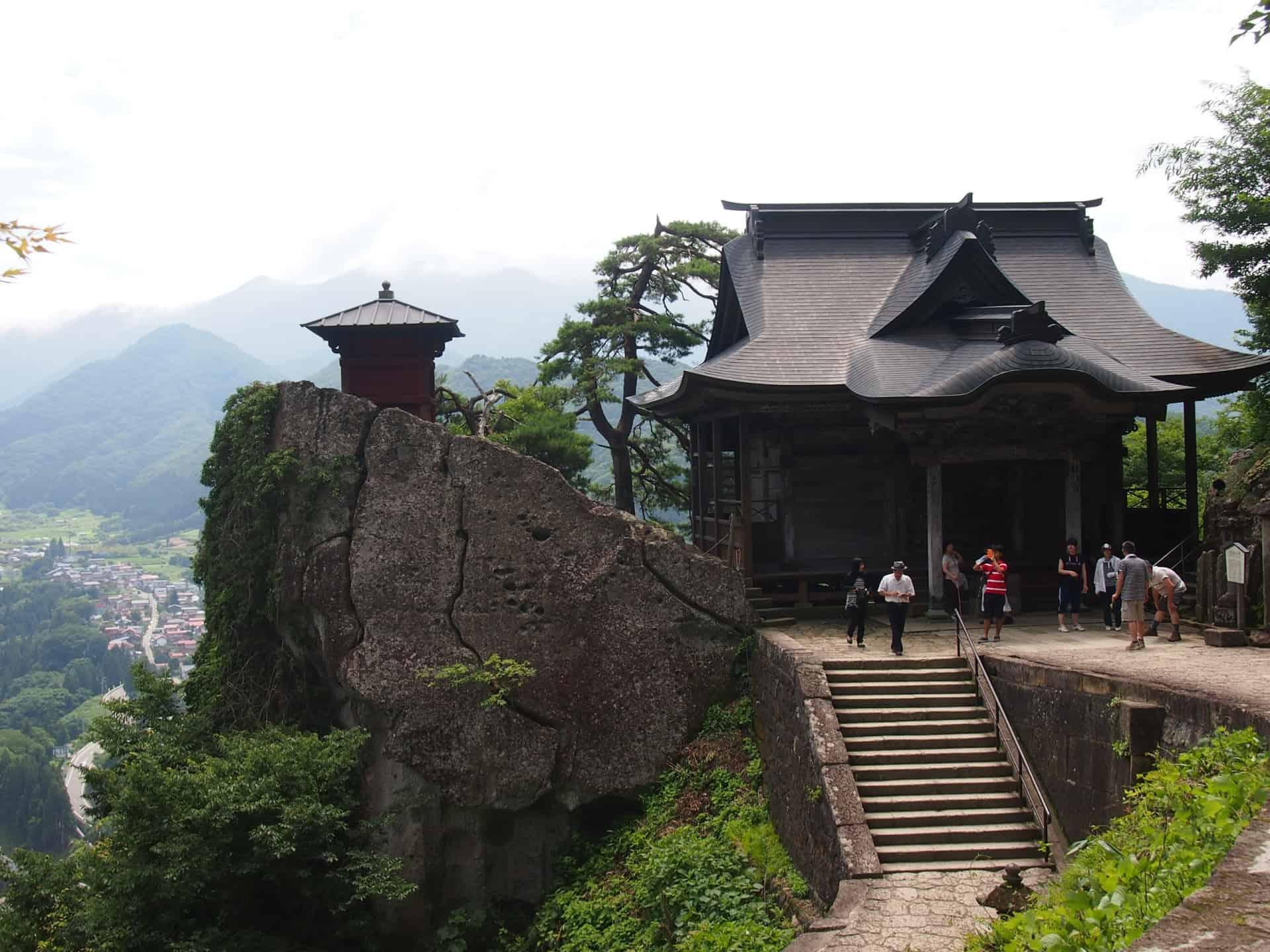 ยามาเดระ (Yamadera : 山寺)