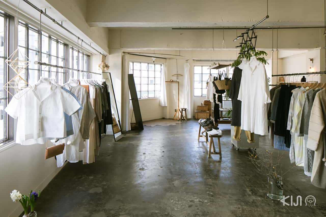SUNNY CLOUDY RAINY เสื้อผ้าหลากหลายแบรนด์