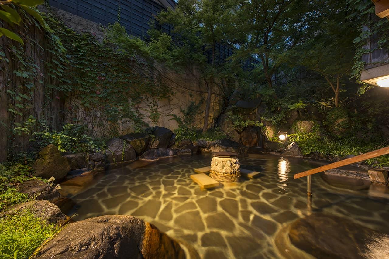 ออนเซ็น ของ โรงแรม Shousenkaku Kagetsu