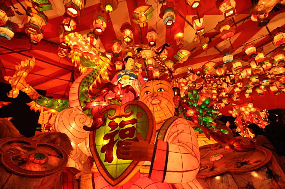 เทศกาลโคมนางาซากิ (Nagasaki Lantern Festival) นางาซากิ