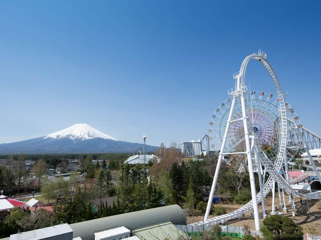ถ่า่ยรูปภูเขาไฟฟูจิ จาก Fuji Q Highland - รถไฟสายฟูจิคิวโค (Fujikyuko Line)