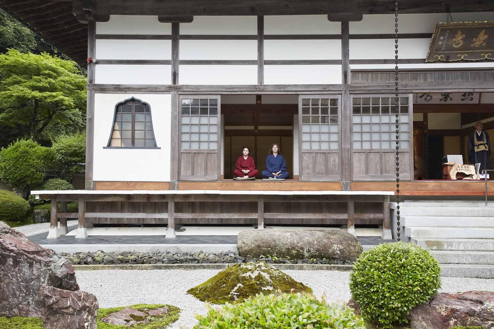 นั่งสมาธิแบบเซ็นที่วัดโกคุราคุจิ คิโนะซากิออนเซ็น