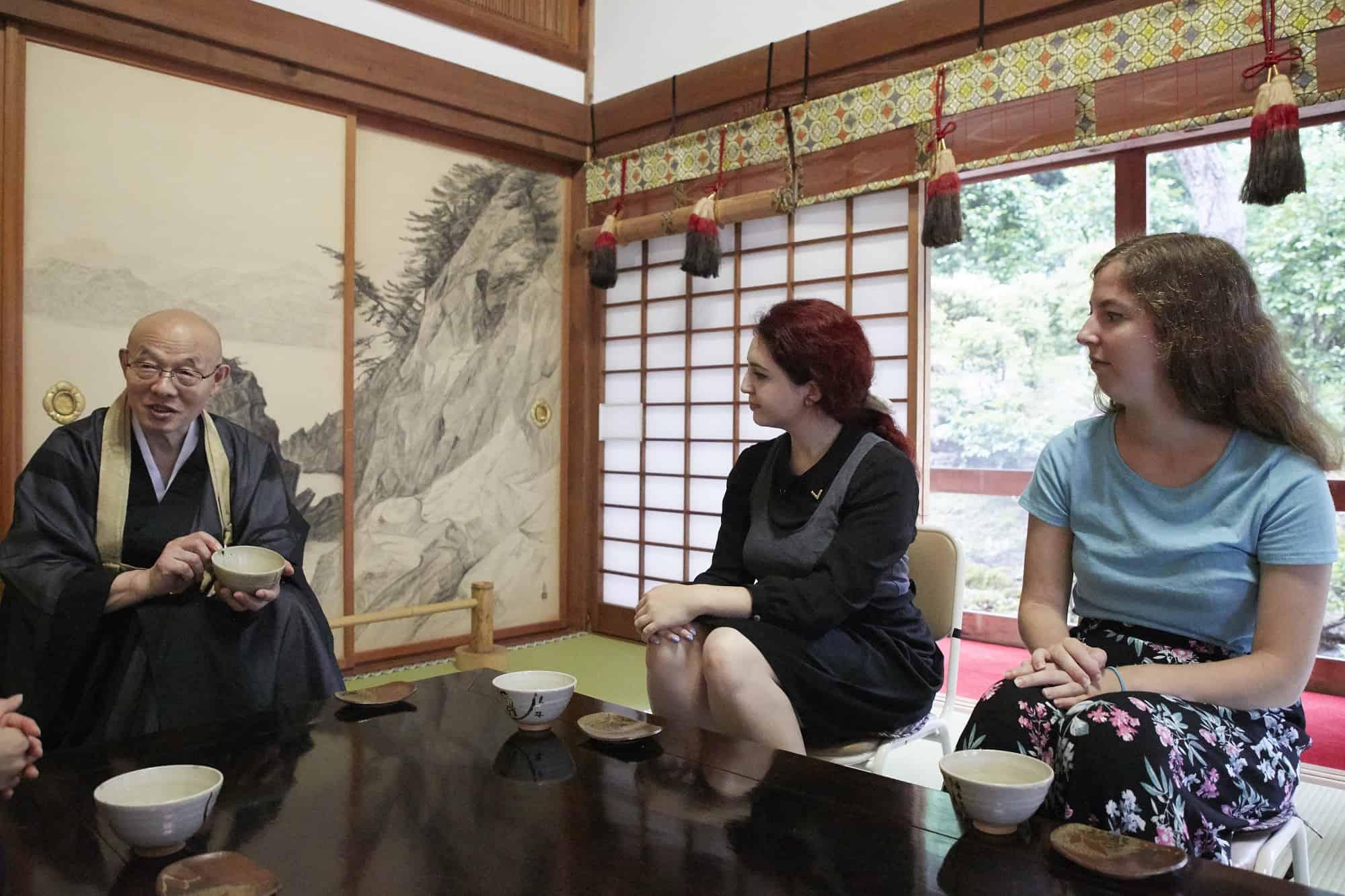 Gokurakuji Temple กิจกรรมคุยกับพระ ณ คิโนะซากิออนเซ็น