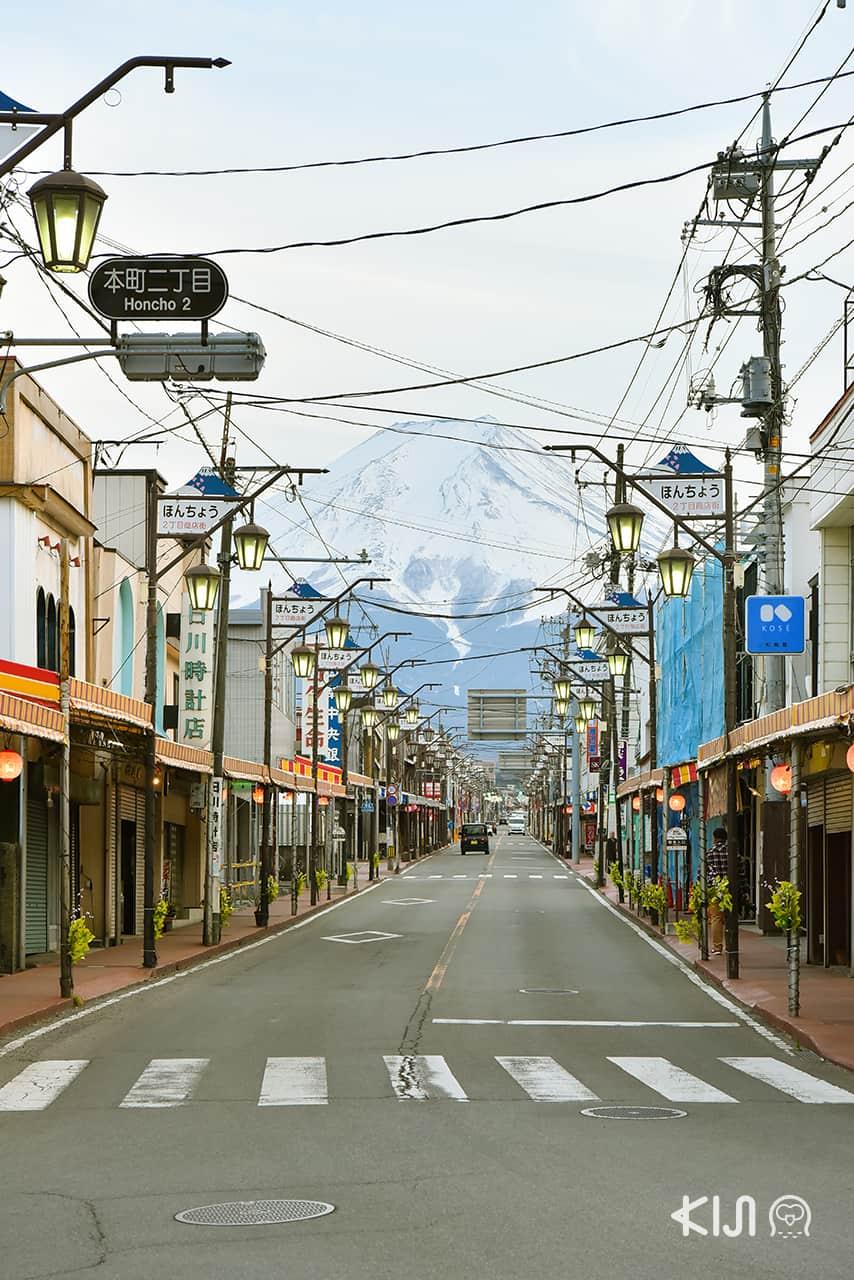 จุดถ่ายรูปภูเขาไฟฟูจิ รถไฟสายฟูจิคิวโค (Fujikyuko Line)