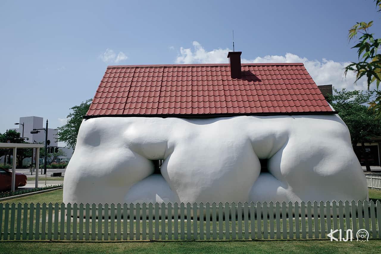 งานประติมากรรม Fat House & Fat Carby Erwin Wurm