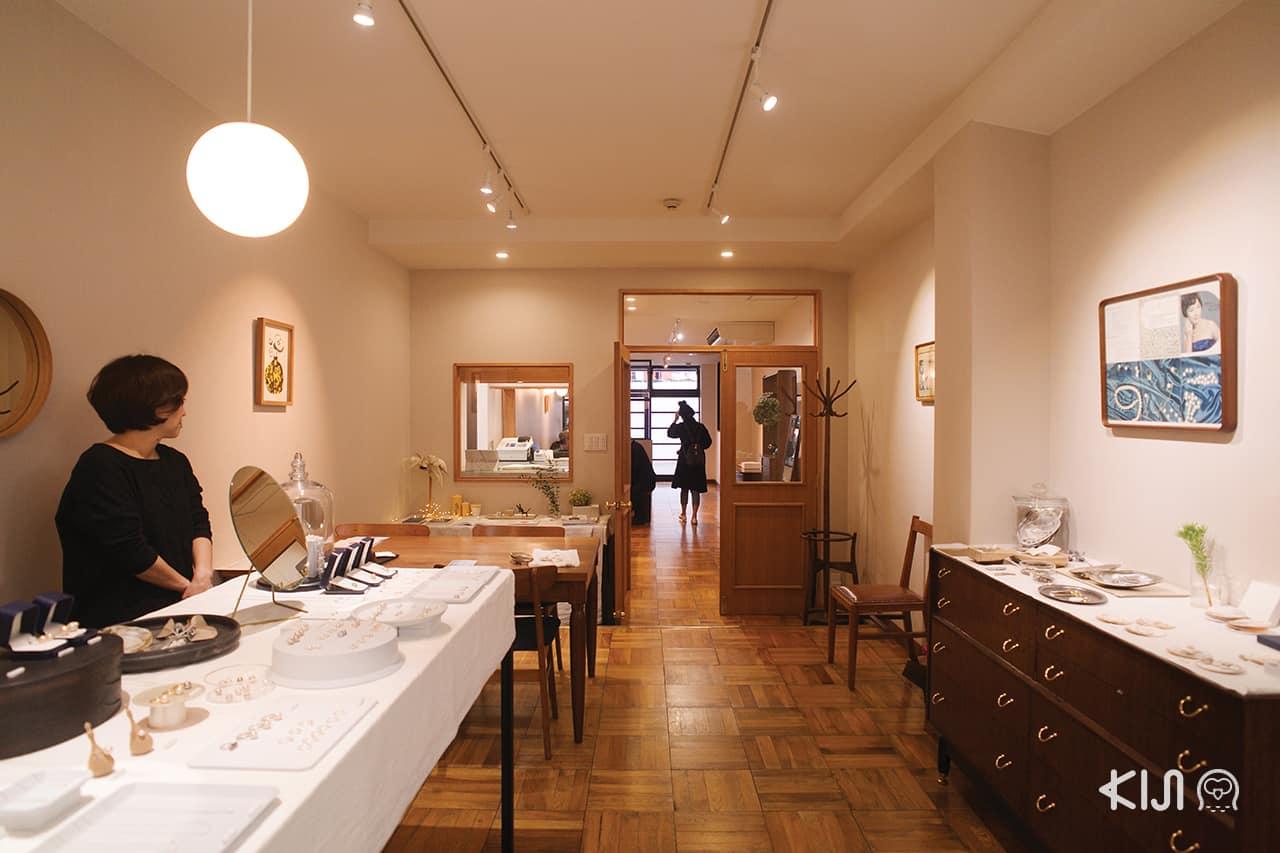 เที่ยว โอตสึ (Otsu): Jinbo Pearls Shop