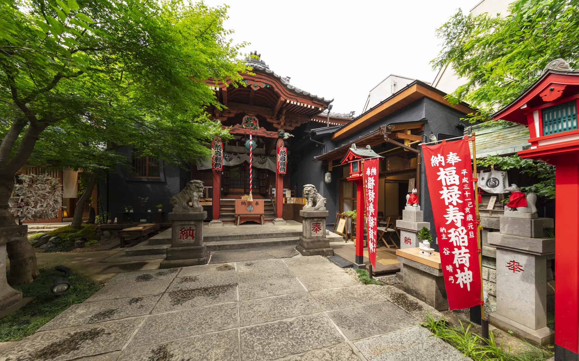 วัด โยอุนจิ (Younji Temple) ขอผู้ ขอพรความรัก โตเกียว