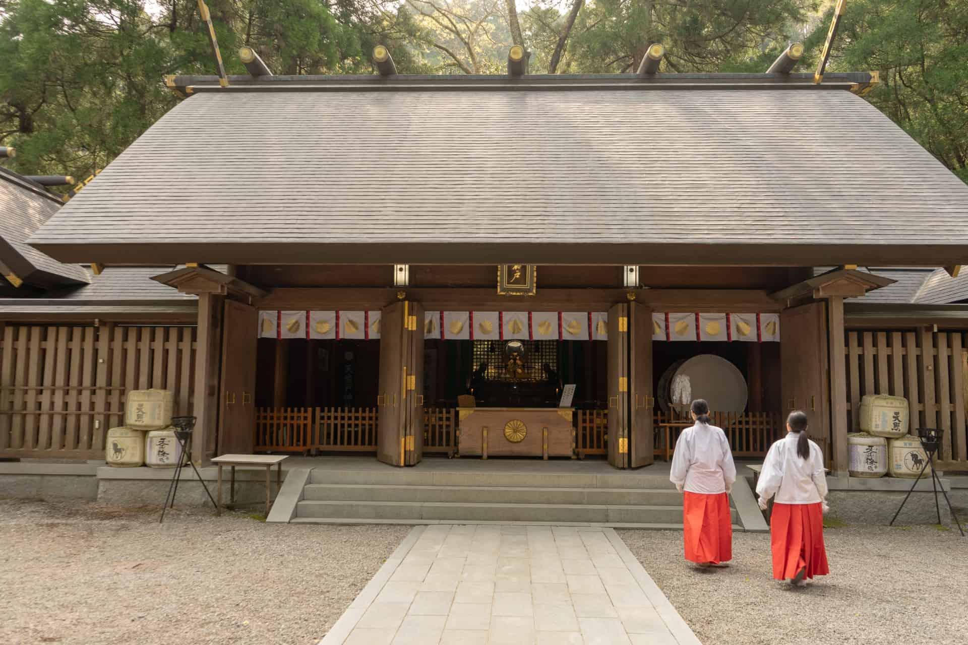 ที่เที่ยว มิยาซากิ (Miyazaki) : ศาลเจ้าอามาโนะอิวาโตะ (Amanoiwato Shrine)