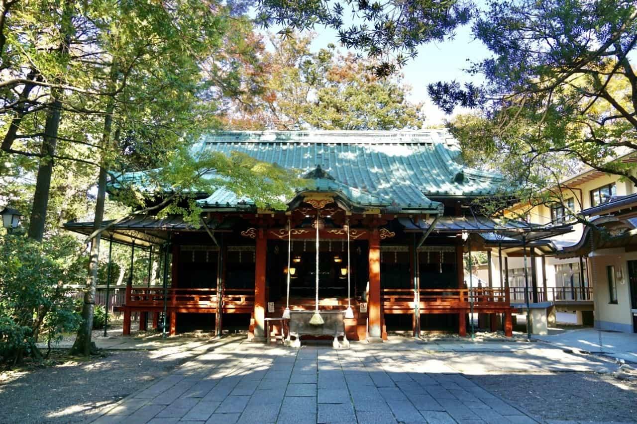 วัด ศาลเจ้าอากาซากะ ฮิกาวะ (Akasaka Hikawa Shrine) ขอผู้ ขอพรความรัก โตเกียว
