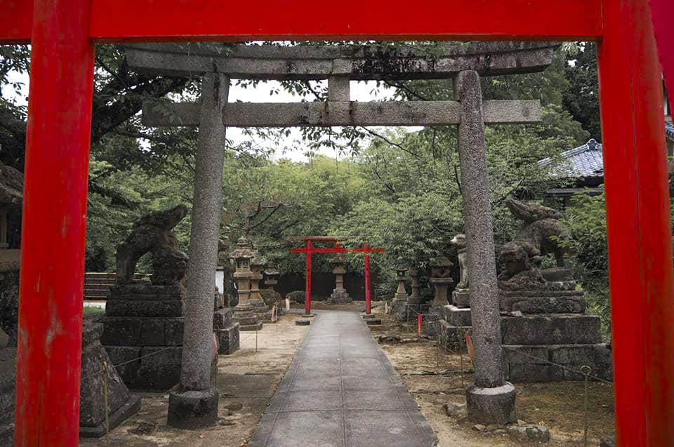 ศาลเจ้าโจซังอินาริด้านหลังปราสาทมัตสึเอะใน Shimane
