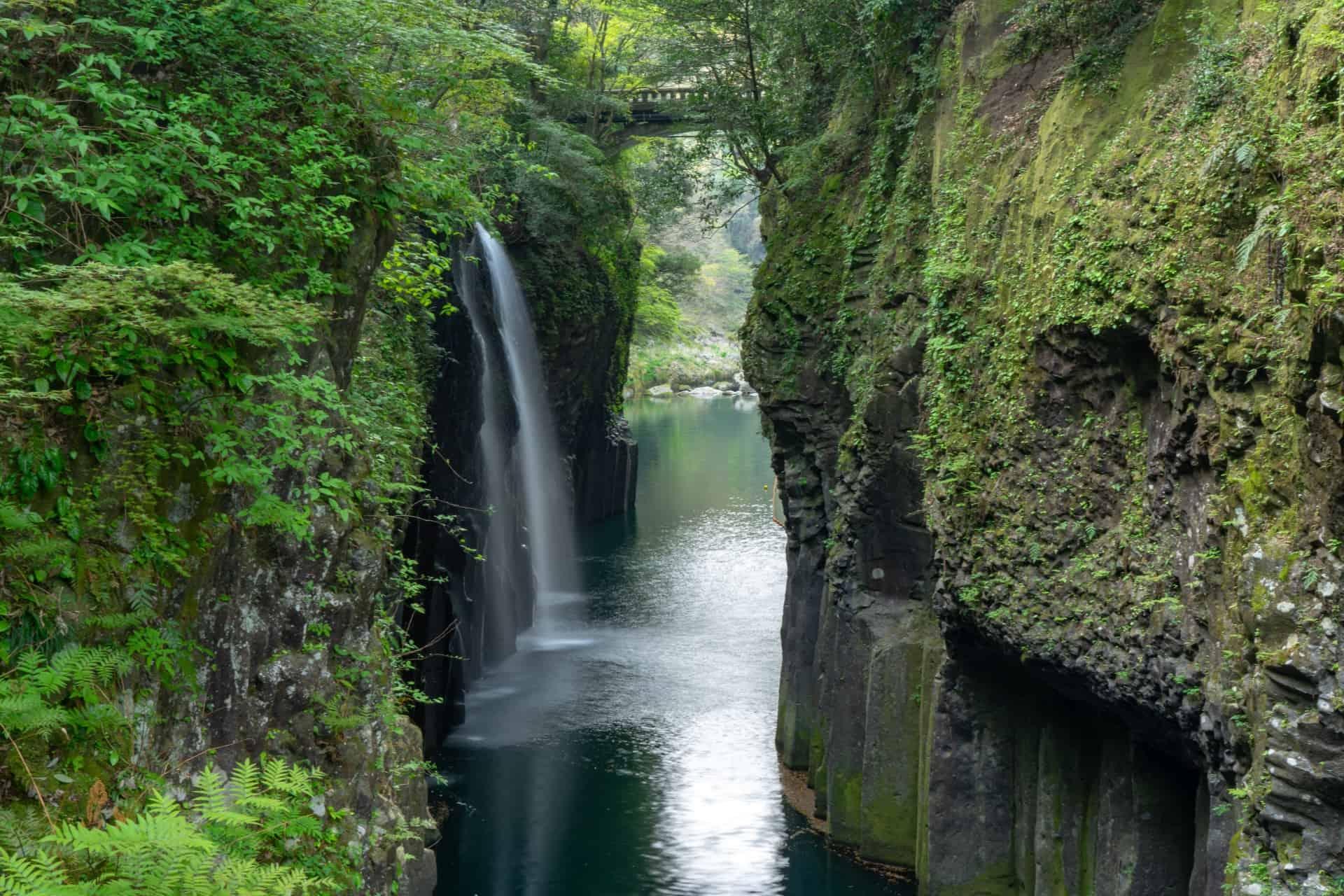 ที่เที่ยว มิยาซากิ (Miyazaki) : หุบเขาทาคาชิโฮะ (Takachiho Gorge)