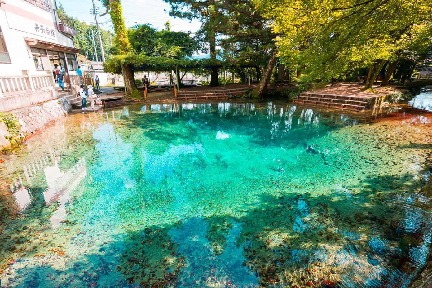 จุดถ่ายรูป ยามากุจิ (Yamaguchi) - บ่อน้ำเบปปุเบนเท็น (Beppu Benten Pond)