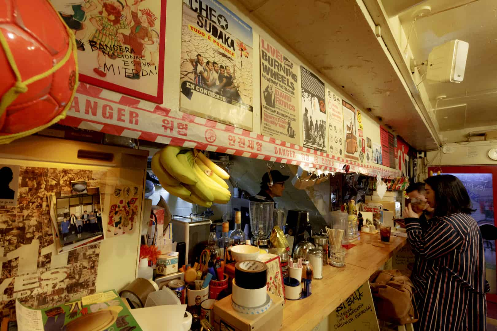 LGBT Cafe in Tokyo : เรนโบว์ เบอร์ริโต โดโมะ (Rainbow Burritos Doumo)