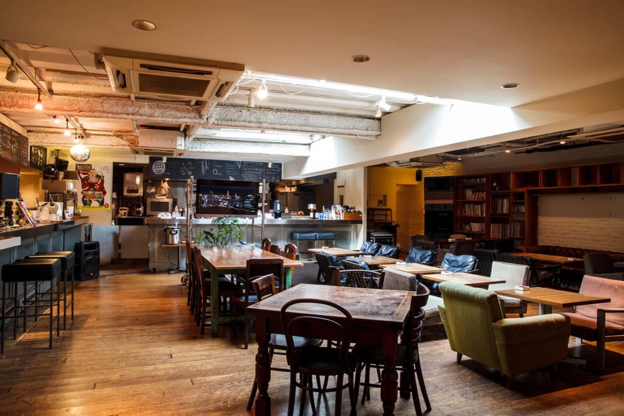 LGBT คาเฟ่ในโตเกียว : Time Out Cafe & Diner