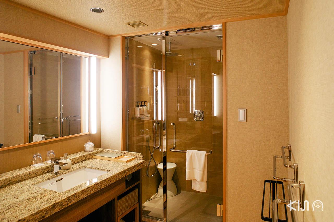 Arima Grand Hotel - ห้องน้ำในห้องพัก