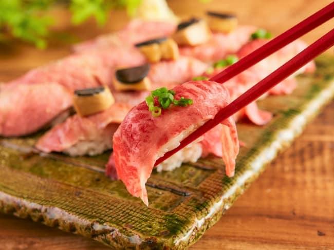 ซูชิเนื้อม้าดิบ เมนูดิบๆ ของญี่ปุ่นที่น่าลองมาก
