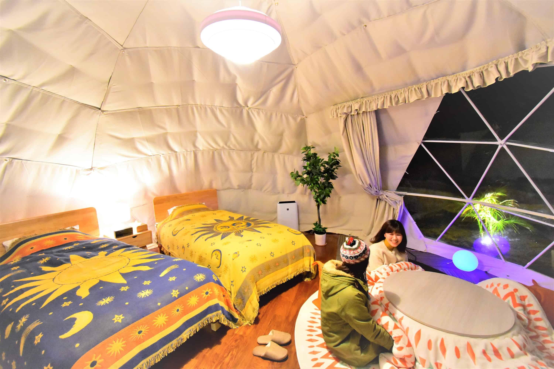 บรรยากาศภายในแกลมปิ้ง Petit Hotel Izu Shaboten Village