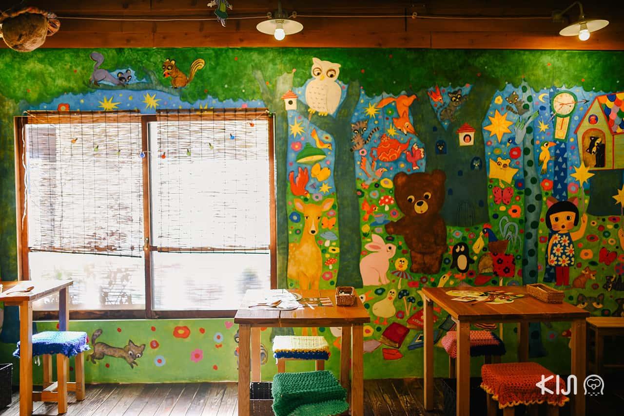 งานศิลปะด้านในร้าน Hattifnatt วาดโดย marini*monteany