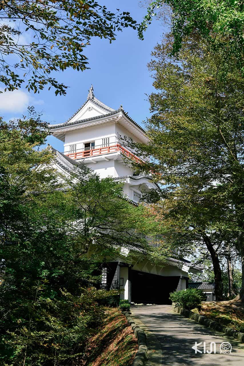 Kubota Castle ปราสาทเก่าในสวนเซนชู ที่หย่อนใจยอดนิยมของเมือง อาคิตะ