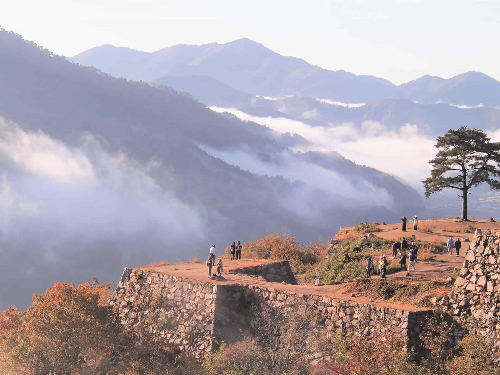 ปราสาททาเคดะ (Takeda Castle) ปราสาทญี่ปุ่น ที่ตั้งอยู่บนเขาสูงของจ.เฮียวโงะ