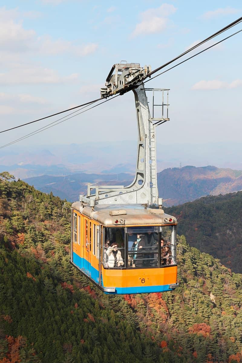 กระเช้าที่เชื่อมต่อระหว่าง Mt. Rokko และ Arima Onsen